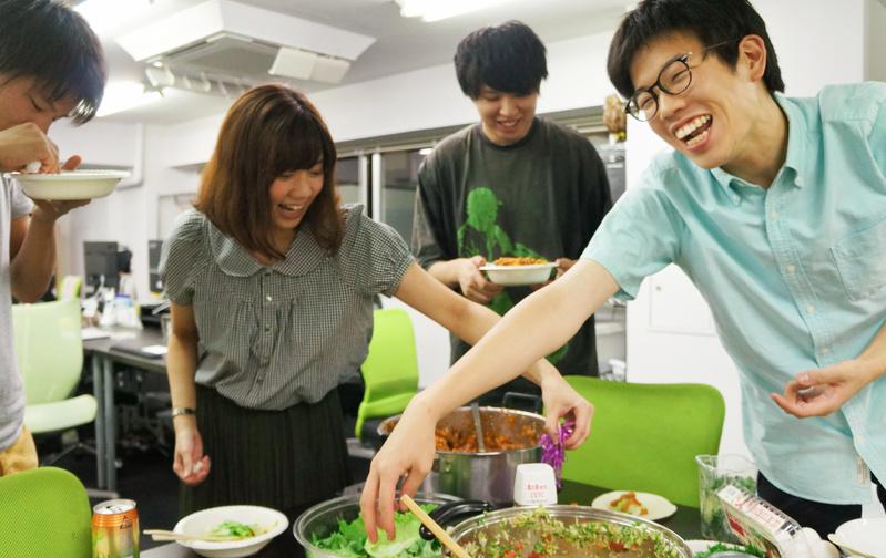 料理部:食を囲むコミュニケーションの場を大切に