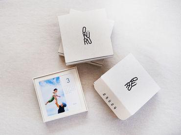 想い出、笑顔、感謝の気持ちが詰まった贈りものを届けるフォトギフトサービス「OKURU」を展開しています。